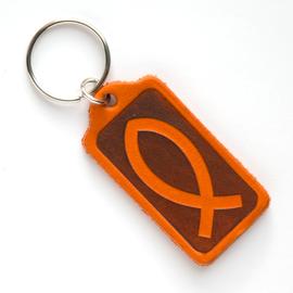 """Брелок """"Рыбка в прямоугольнике"""" из натуральной кожи (оранжевый)"""